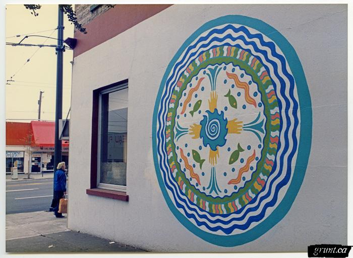 1986 09 19 Brewery Creek Mural Project building with blue green white circular design Anne Beesack